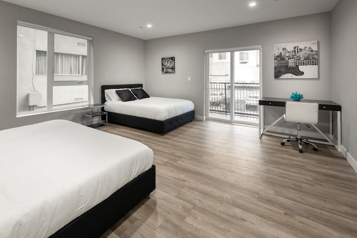 King Sized Bed & Double Bed in Bedroom w/ Desk and Chair to work on