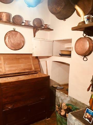 cassettiera e passavivande cucina