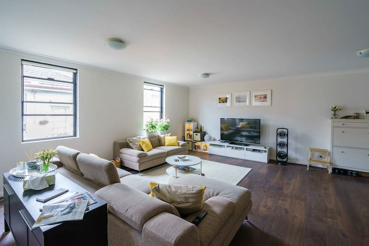 Private Room, Sunny duplex unit in the Inner West - マリックビル