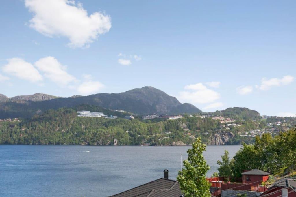 Fantastisk utsikt til innseilingen til Bergen