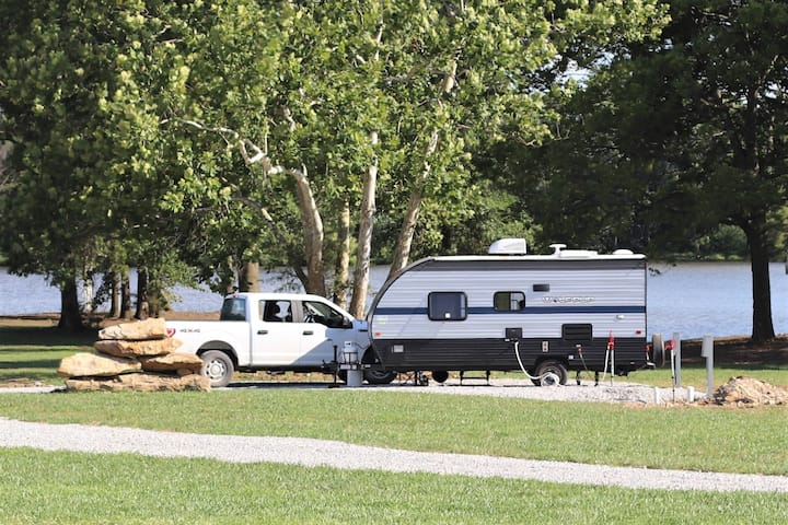 Site B Lakeview RV Hook-up 220 or 110