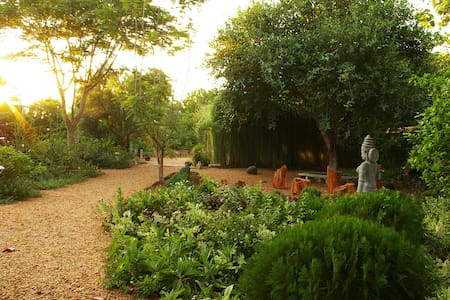 Familyunit 3, Gaia's Garden Guesthouse,  Auroville
