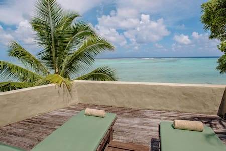 5 Star Ultimate Beachfront Bungalow