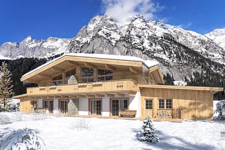 Hoogwaardig ingerichte woning voorzien van jacuzzi en sauna, dichtbij Seefeld