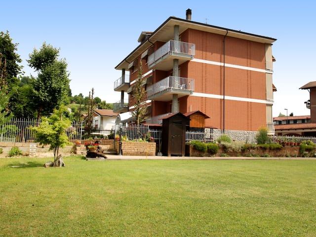 Holiday apartment Le Betulle in Cisterna d'Asti