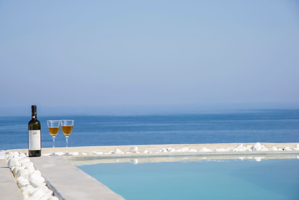 Jacuzzi at the roof with view to the Aegean Sea!!!