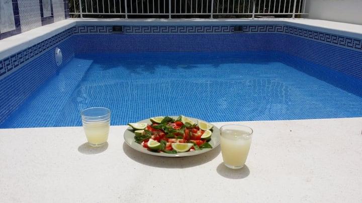 Tradi villa priv swim pool WiFi Sat TV