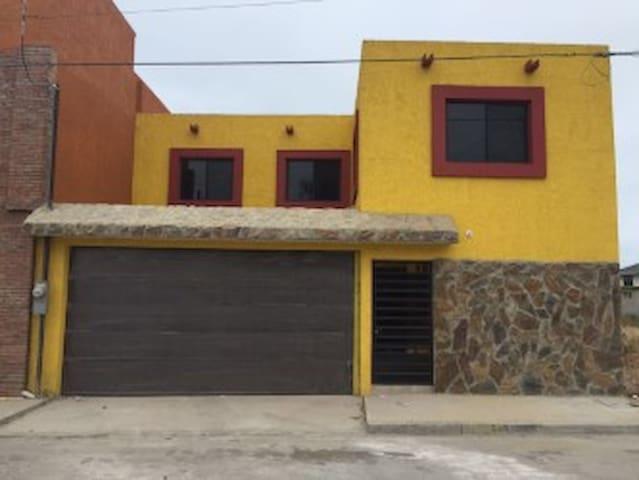 Rosarito Beach Home/ Modern Casa de Playa Sol