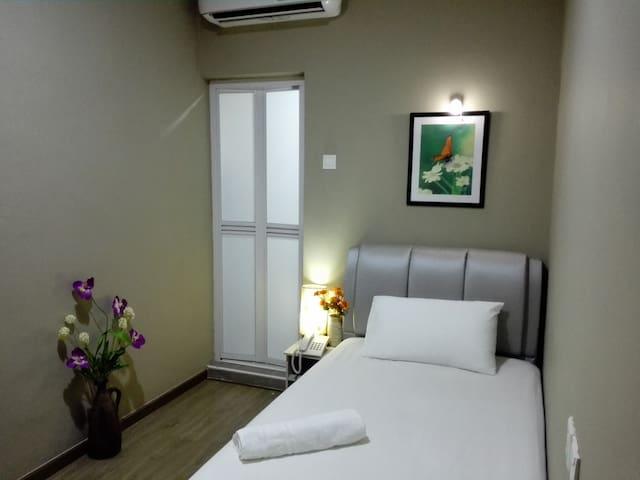 Hotel By The Park PLT (Standard Single Room)