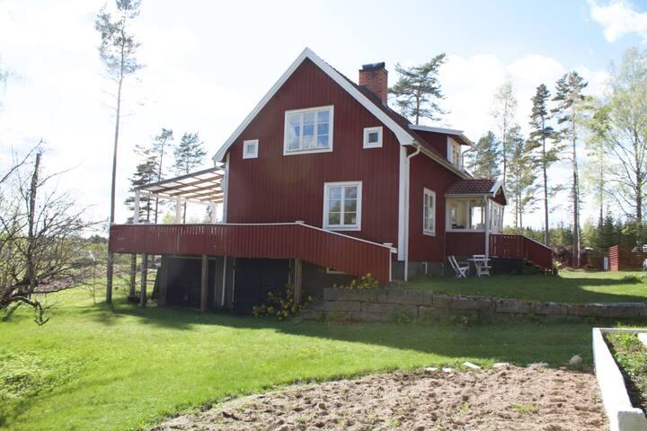 Countryside cottage near lake Båven