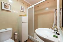 Cuarto de baño de habitación principal