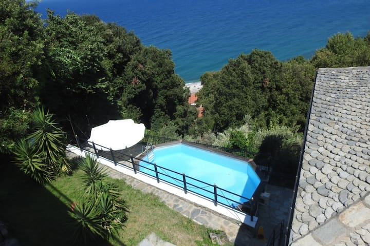 Pelion Country Villa with Pool, Agios Ioannis.