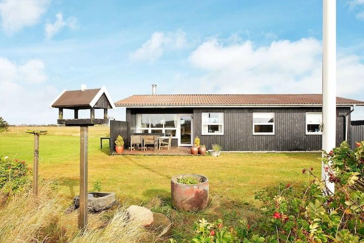 Deluxe Holiday Home in Løkken near Sea