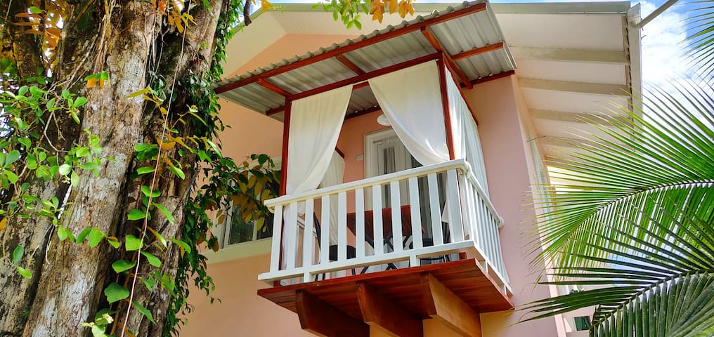 Astonishing Loft with AC just 5 Minutes from Beach
