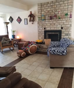 Cozy 2 bedroom 2 bathroom close to Bearlake