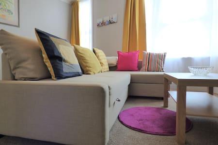 Superb, central 1 bedroom apartment