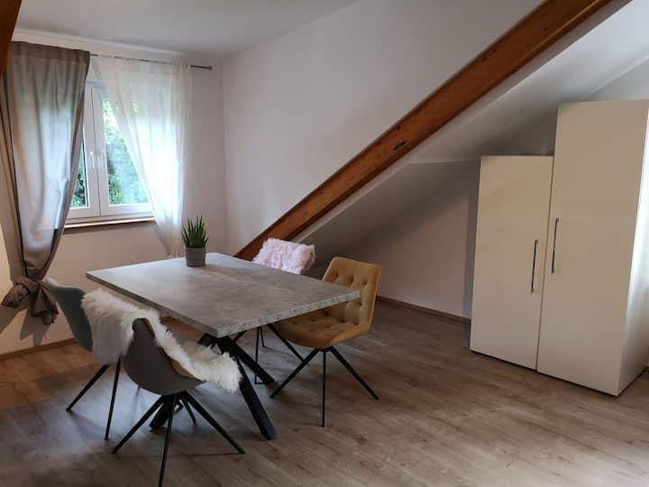 Modernes Studio am Waldrand - Nähe Frankfurt