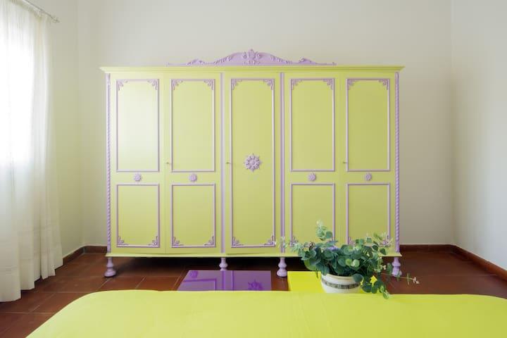 Camera matrimoniale-armadio