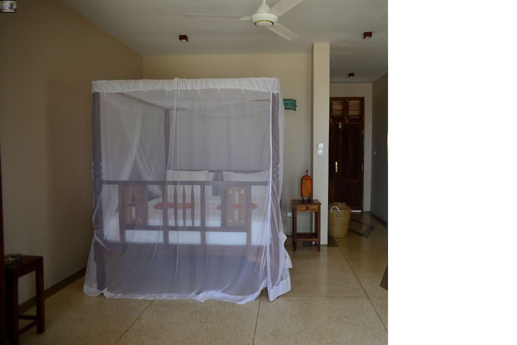 Bedroom with Large Zanzibar bed