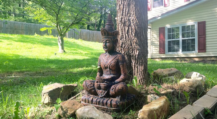 Creekside Zen Den near Downtown