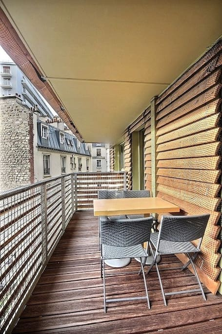 Here is the pretty terrace of 16 square meters