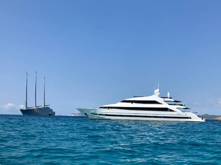 SEE THE SEAS - 44m Day/Week Luxury Yacht Charter