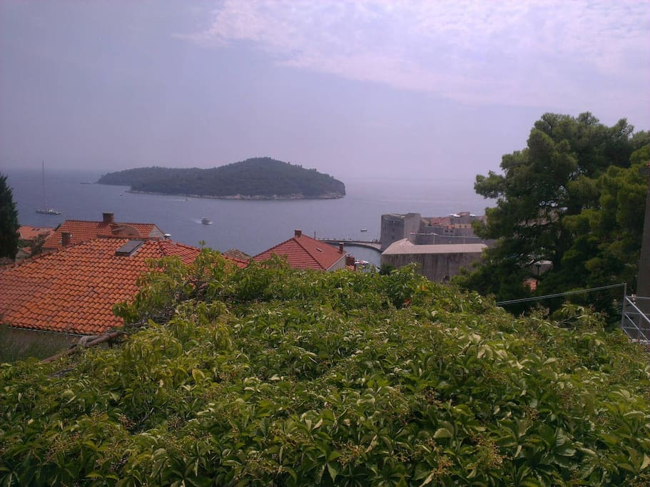 """Absolutely amazing location, very close to the old town! All the necessary facilitaties are available and everything was very clean and tidy. Great spot to discover Dubrovnik from!"", Astrid November 2017."