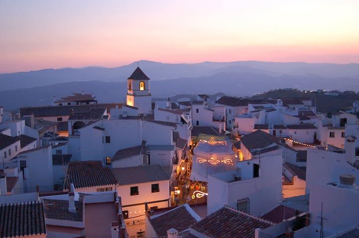 Espacio en plena axarquía de Málaga - Canillas de Aceituno - Byt