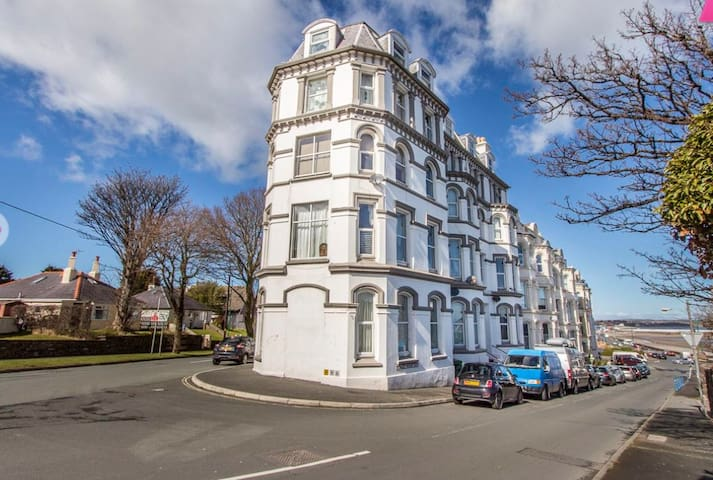 Ascog Hall Apartment, Ramsey, Isle of Man TT