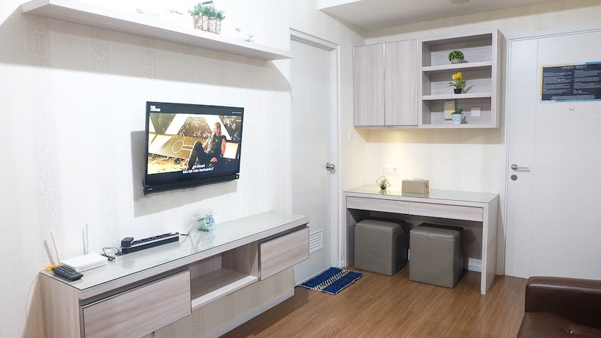 FREE Cable TV, HIGH SPEED UNLIMITED WIFI 20MBPS. Beautifully Furnished, and complete facilities ! Best choice for your stay !