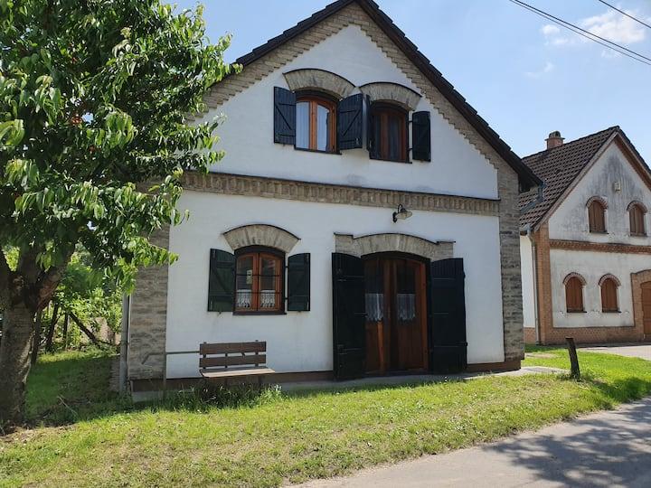 Jessi's Weinkellerhaus