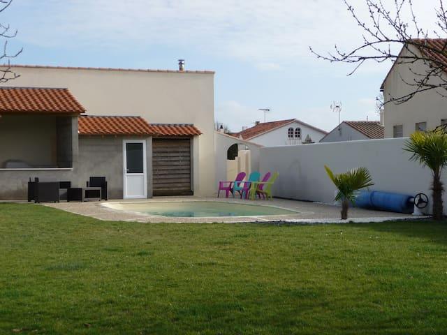 VILLA spacieuse/chaleureuse 15 min La Rochelle - Saint-Ouen-d'Aunis - Ev