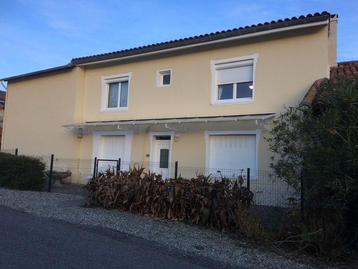 Maison de famille dans village proche Toulouse
