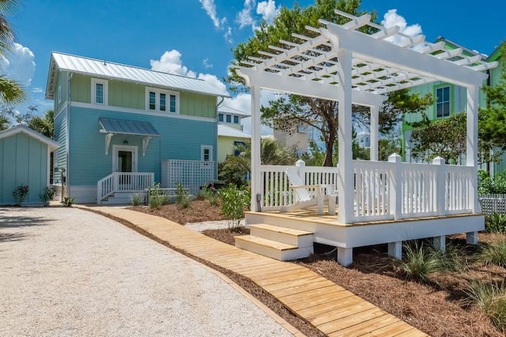 Beautiful new home just 40 steps from the Beach!