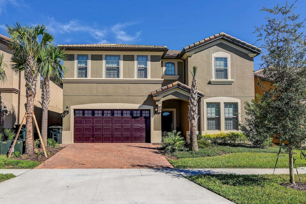 The home is located just minutes from Disney World in the luxurious Windsor at Westside community.