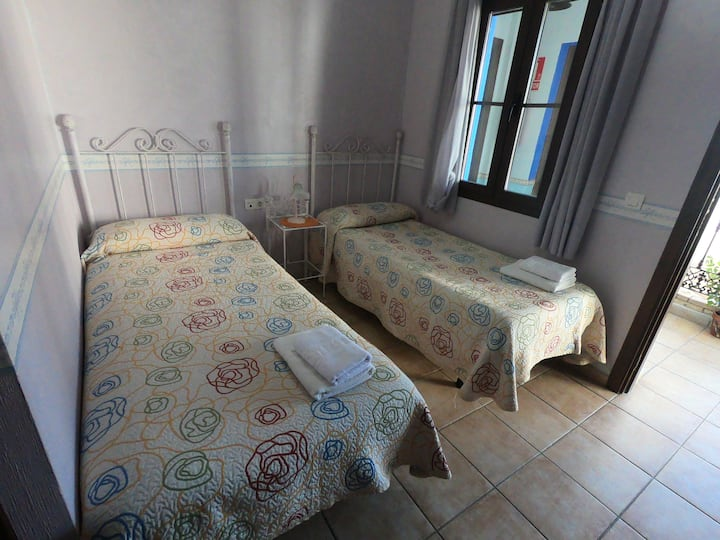 Habitación Doble - dos camas / Twin room