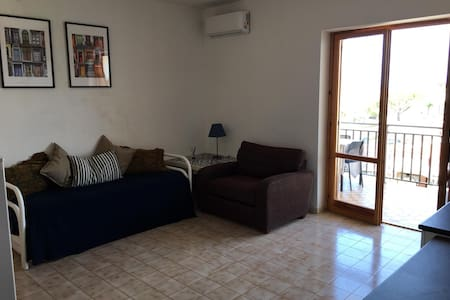 1 bedroom appt. St. Maria del Cedro opposite beach
