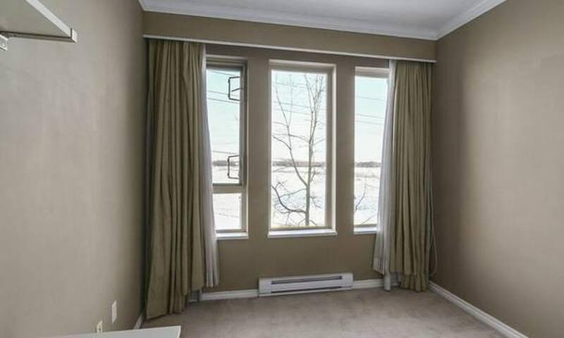 1 Bed/1 Bath- Spacious Central Richmond Apartment - Richmond - Apartmen