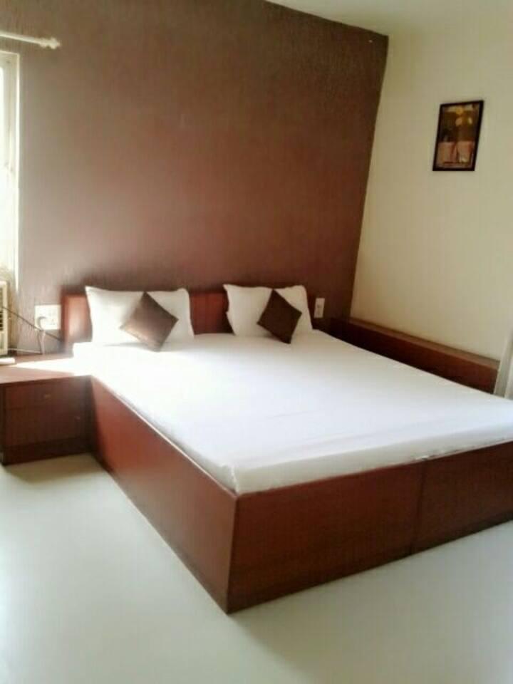 Luxury room in Karve road