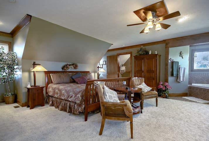 Prairie Suite - Dickey House B&B