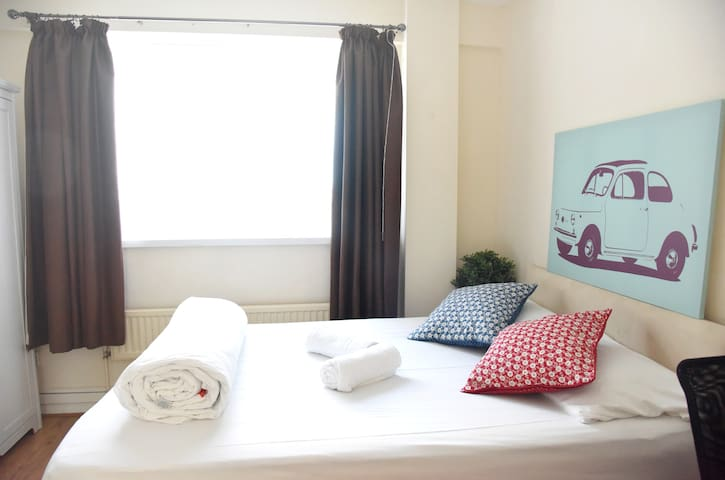 King's Cross St Pancras room for 2 people