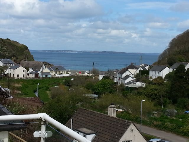 Sea-view apartment in Porthallow (Cove View) - Cornwall - Apartemen