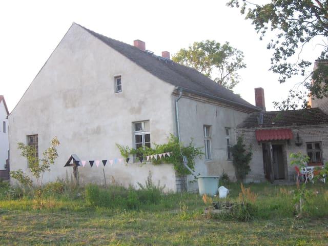 nostalgisches Ferienhaus in Jüterbog/ Neuhof