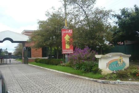 Providencia, Carr. a Pinula