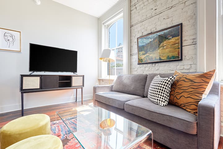 Sonder | The Broughton | Sun-Filled 1BR