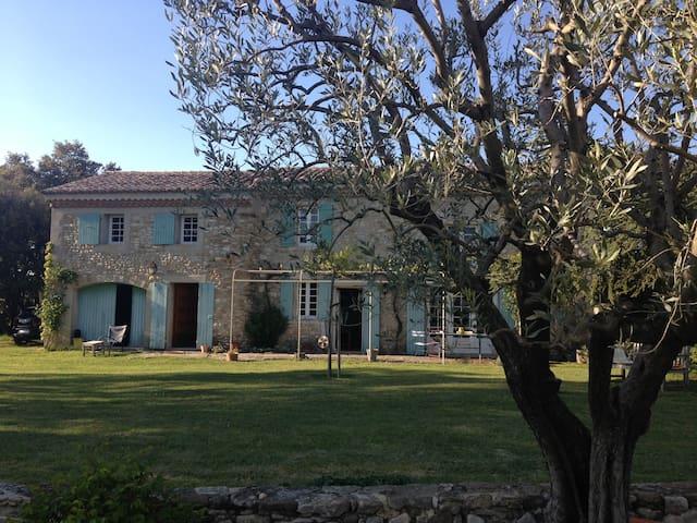 Mas dans la Drôme provençale - Montbrison-sur-Lez - Ferienunterkunft