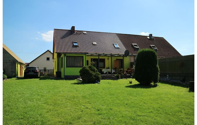 Semi-Detached with 4 bedrooms on 140 m² in Usedom