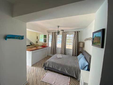 Bilimbi House, beach + pool - full apartment