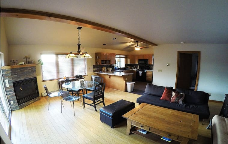 Three bedroom majestic mountain duplex - Steamboat Springs - Adosado