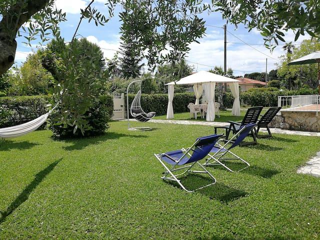 Camera Dafne, Relax in campagna a Pietrasanta